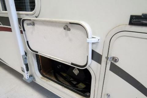 Baggage Door Catch