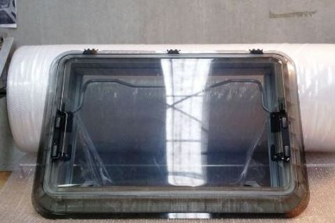 Skylight hatch 900 x 655 Complete